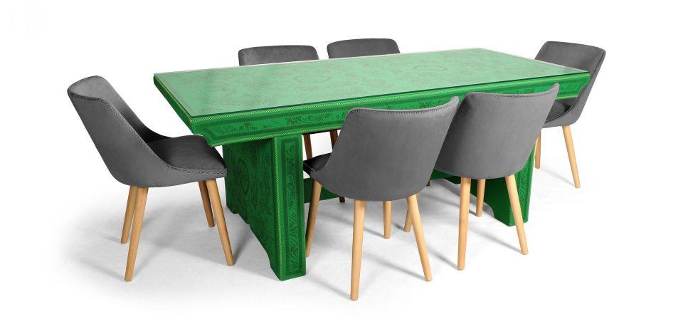 маса със столове